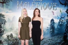 """PHOTOCALL A PARIS AVEC ANGELINA JOLIE ET ELLE FANNING,  LES COMEDIENNES DU FILM """"MAL?FIQUE"""