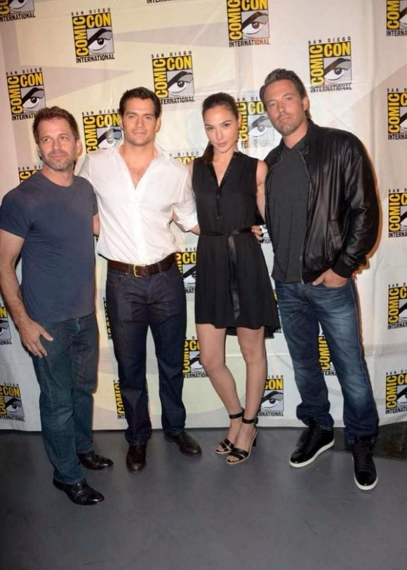 panel-comic-con-batman-vsuperman-580x812